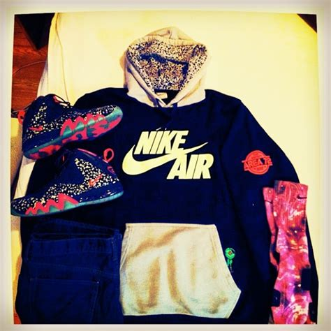 Outfit for today. Nike Barkley Foamposite Area72 Nike Area 72 hoodie Custom Barkleyposite ...