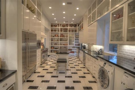 house   week texas mansion   story closet
