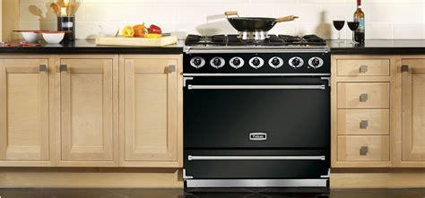 cuisines fourneaux cuisine 233 quip 233 e 201 lectrom 233 nager piano de cuisson