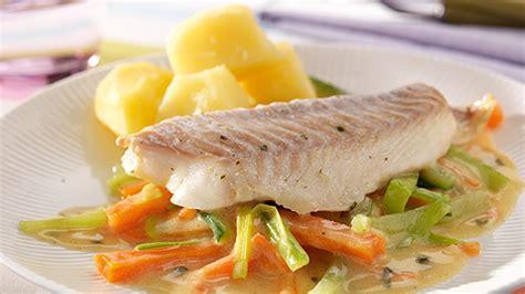 cuisiner du cabillaud au four cabillaud au four aux légumes et vin blanc