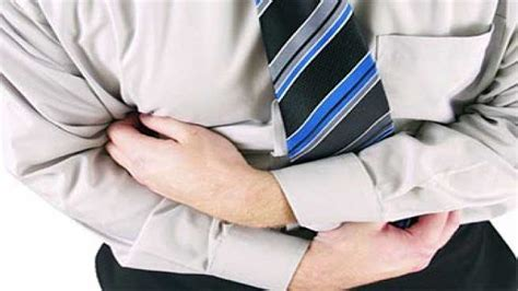 perut kembung gejala penyebab dan cara mengatasi ruang