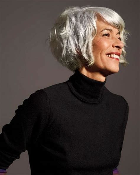28 Easy Short Pixie & Bob Haircuts for Older Women Over 50