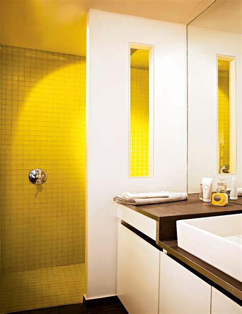 renovation plan de travail cuisine salle de bains jaunes 32 idées pour une décoration lumineuse