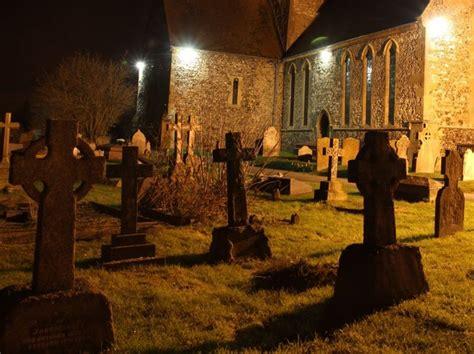 graveyard  night  bill nicholls cc  sa