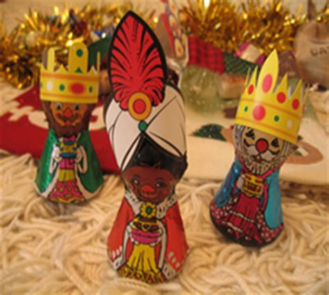 traditional christmas decorations in spain learn how is celebrated in spain and america