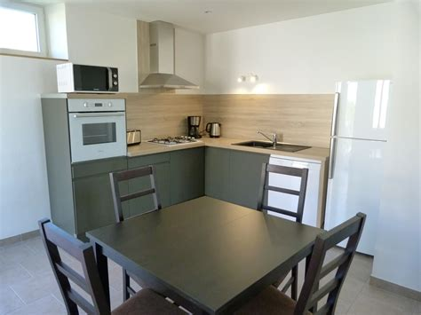 cuisine bastide table de cuisine 6 personnes maison design bahbe com