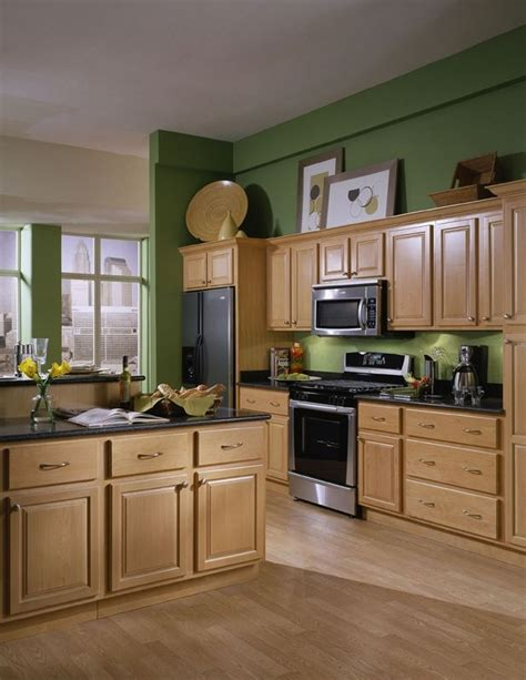 honey maple kitchen cabinets honey spice maple wow this looks like our new 4323