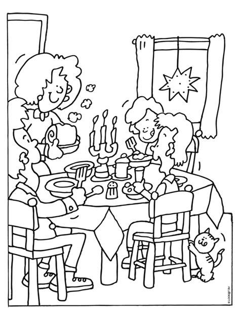Kleurplaat Overtrekken Eten by Kleurplaat Uit Eten Met Kerstmis Kerstdiner