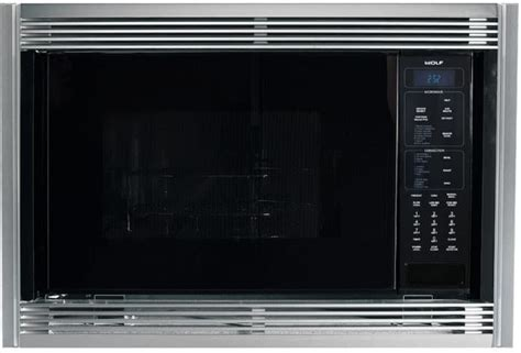 Wolf MWC24 1.5 cu. ft. Countertop Microwave Oven with 900