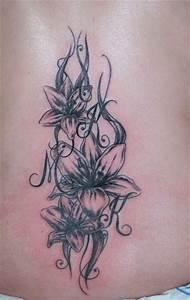 Tattoo Unendlichkeitszeichen Mit Buchstaben : duundich blumen mit buchstaben tattoos von tattoo ~ Frokenaadalensverden.com Haus und Dekorationen