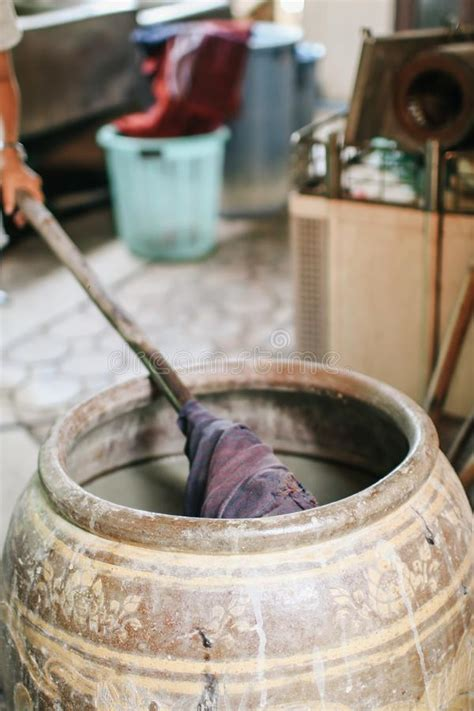 dyeing silk  traditional natural materials raw