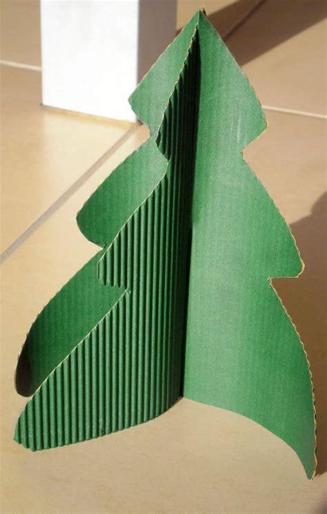 comment faire un sapin de noel en papier ordinary faire un sapin en 14 vous pouvez lui faire un joli tronc avec un rouleau de