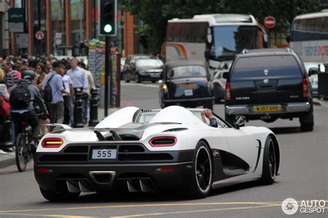koenigsegg agera r black and yellow koenigsegg agera r 31 march 2012 autogespot