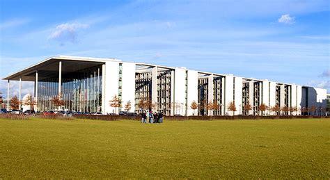 Lage Und Umgebung Des Reichstages In Berlin