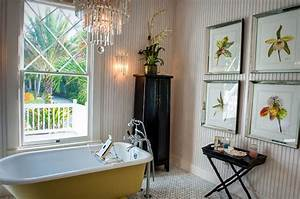 25 Sparkling Approaches Of Adding A Chandelier To Your