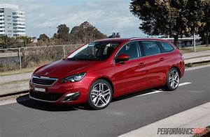 Peugeot 308 Allure : 2015 peugeot 308 touring 1 6t review video performancedrive ~ Gottalentnigeria.com Avis de Voitures