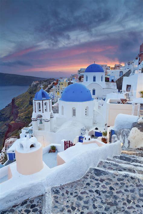 Sunset In Oia Santorini Greece In 2019 Greece Travel
