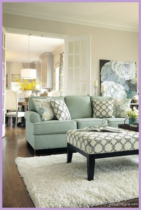 Decorating Small Living Rooms  1homedesignscom