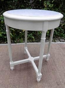 Table Plateau Marbre : table gu ridon plateau de marbre rond en bois peint ~ Teatrodelosmanantiales.com Idées de Décoration