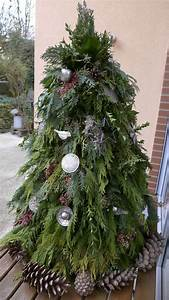 Weihnachtsbaum Schmücken Anleitung : weihnachtsbaum aus gr nschnitt basteln dekoration ~ Watch28wear.com Haus und Dekorationen