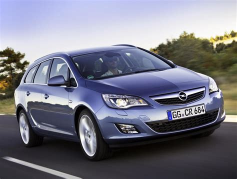 Opel Astra Sport by Opel Astra J Sports Tourer Photos And Specs Photo Opel