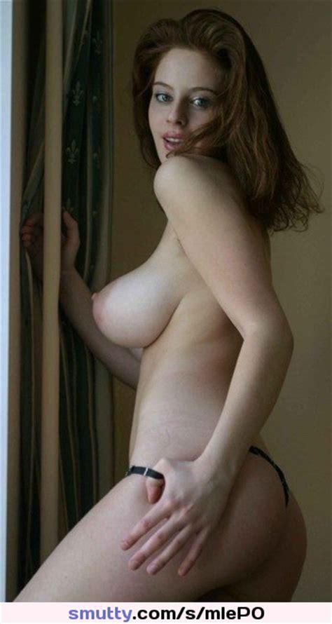 Esther Gaudette  nackt