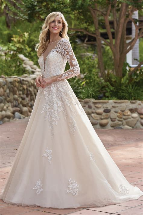 F211016 Rustic Embroidered Lace Wedding Dress With