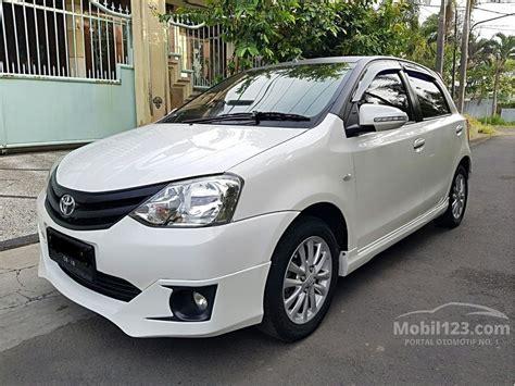 Review Toyota Etios Valco by Jual Mobil Toyota Etios Valco 2013 G 1 2 Di Jawa Timur