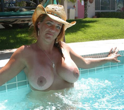 In Gallery Amazing Redhead Milf Picture Uploaded