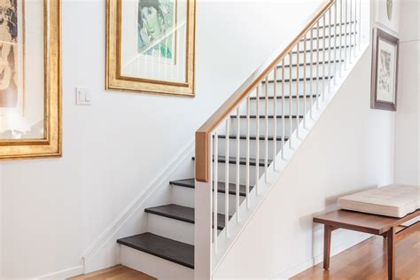 Graceful Modern Stair Railing For Your