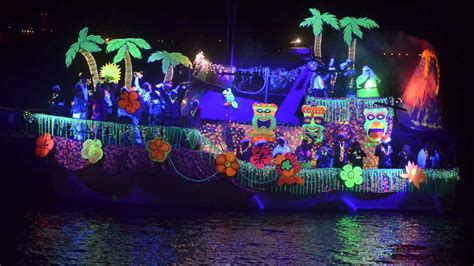 san diego boat parade of lights missed the boats see parade of lights in 2 minutes