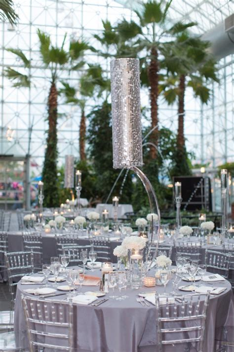 and silver themed chicago wedding at the navy pier