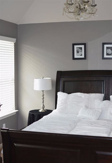 Master Bedroom Decor Black And White by How To Decorate Your Room In Black And White Master