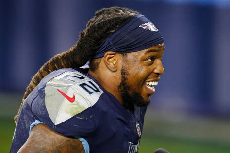 Derrick Henry Hair: NFL Star Has Grown It Out Since ...