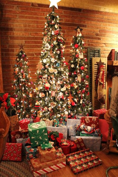 25 fabulous christmas trees the contractor chronicles