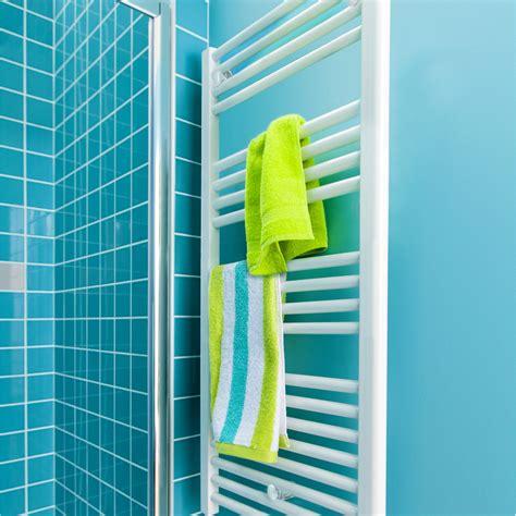 seche serviette eau chaude castorama 28 images radiateur seche serviette eau chaude