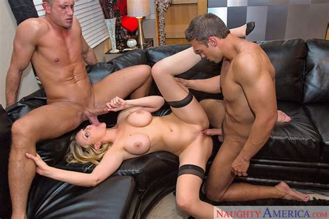 Julia Ann And Bill Bailey In Dirty Wives Club Naughty
