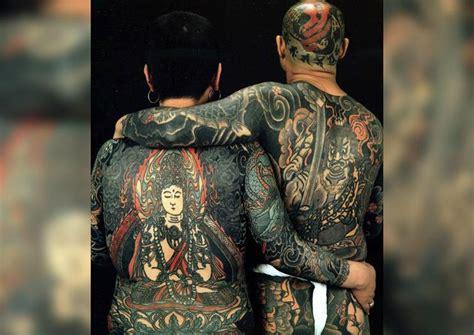 journalist reveal secrets  japans notorious yakuza