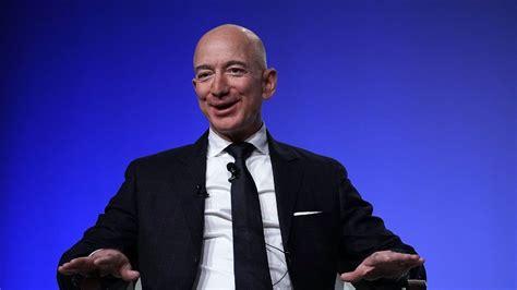 Jeff Bezos dejó su puesto de CEO de Amazon | Pronto