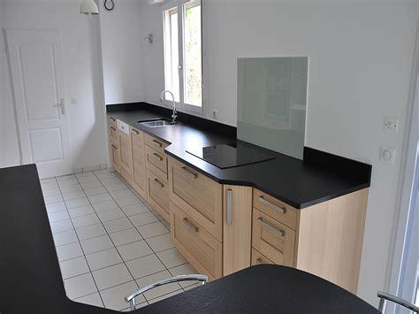 pose plan de travail cuisine granit pour plan de travail cuisine marbre et granite