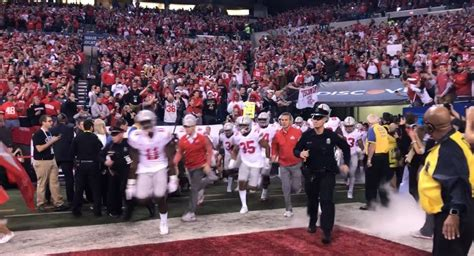 VIDEO: Ohio State Takes the Field in Indianapolis | Eleven ...