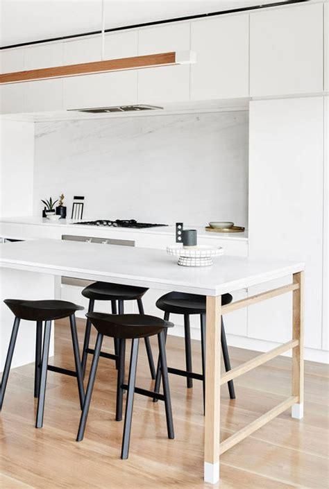 table plan de travail cuisine cuisine avec plan de travail table