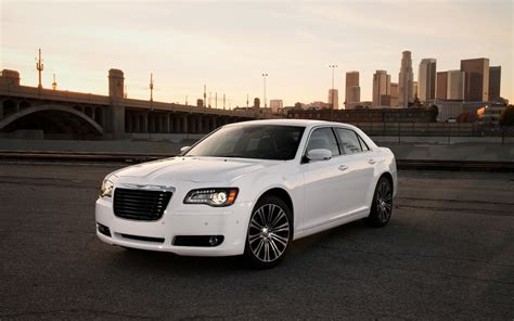 Chrysler 300 Length by 2013 Chrysler 300s Arrival Motor Trend