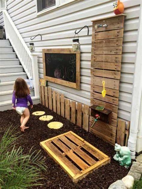 money backyard pallet diys  kids summer fun