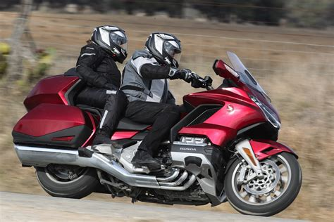 honda goldwing 1500 2018 honda gold wing tour dct review 34 fast facts