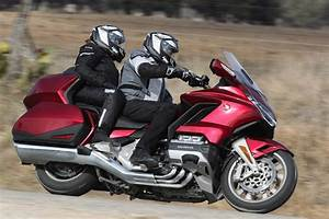 Goldwing 1800 2018 : 2018 honda gold wing tour dct review 34 fast facts ~ Medecine-chirurgie-esthetiques.com Avis de Voitures