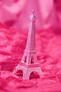 Pink Eiffel Tower background | Backgrounds | Pinterest ...