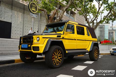 We may earn money from the links on this page. Mercedes-Maybach G 650 Landaulet W463 - 6 octubre 2019 ...