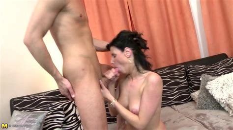 Hot Mature Mom Suck And Fuck Her Son S Best Friend Porn A