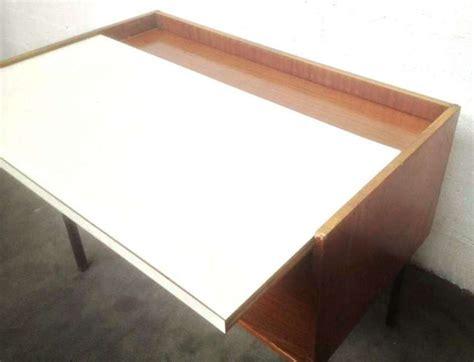 bureau retractable excellent petit bureau caisson rtractable en placage
